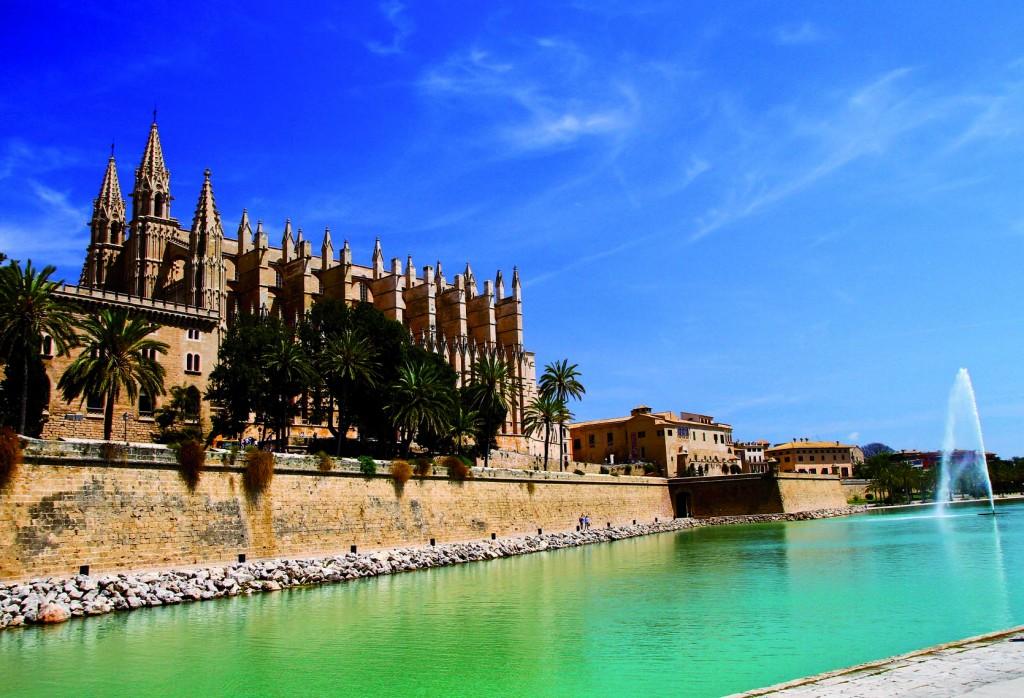 the Cathedral of Santa Maria of Palma and Parc del Mar  Majorca,